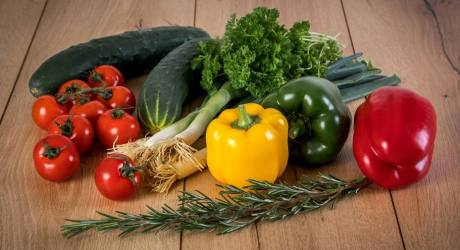 """Radio Nibbles: Has the phrase """"Farm to Table"""" lost its meaning?"""