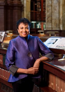 Photo portrait of Carla Hayden.