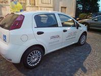 L'automobile donata dal Lions Club Valcerrina alla SEA Valcerrina