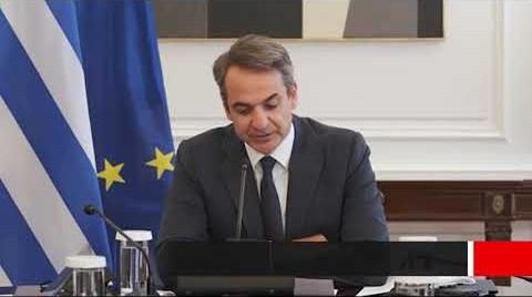 Η Ελλάδα και ο κόσμος υποκλίνονται στον Μίκη Θεοδωράκη