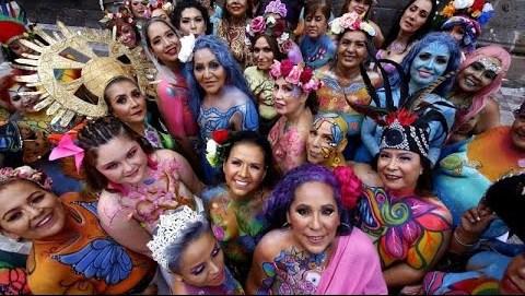 Γαλλία: Ροζ 2CV για τον καρκίνο του μαστού