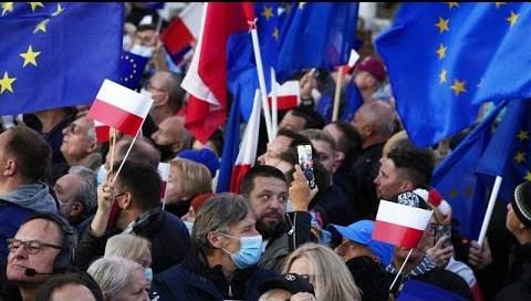 Πολωνία: Συγκεντρώσεις υπέρ της Ευρωπαϊκής Ένωσης