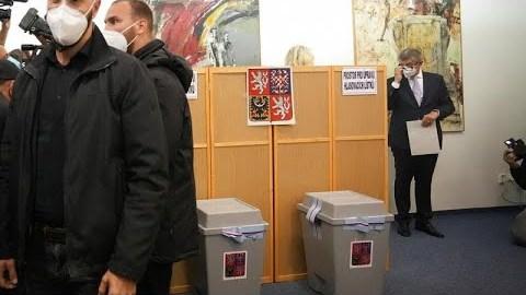 Τσεχία – Εκλογές: Νικητή τον Μπάμπις «βλέπουν» οι δημοσκόποι…