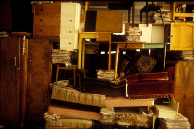 Jarosaw Kozowski, Soft Protection: The Great Britain and Northern Ireland Version, Matt's Gallery, 1995