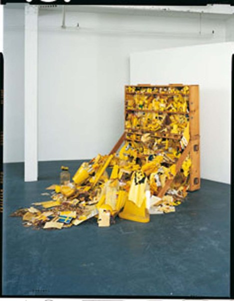 Robin Klassnik, Yellow Postal Sculpture, 1973. Installation view.