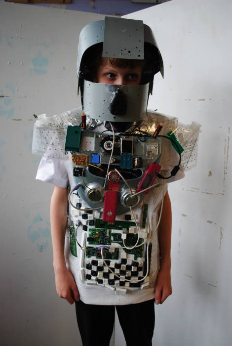 This outfite made by pupils from Rutlish is made from recycled computer, keyboard and mouse parts.