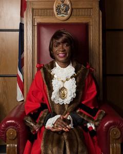 mayor smaller