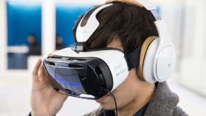 Hulu to launch a virtual reality app for Samsung Gear VR in November
