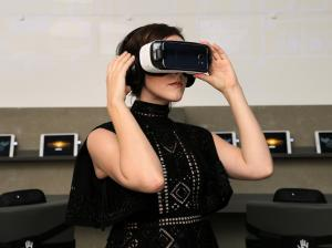 Samsung's Virtual Reality Gadget Launched for $99