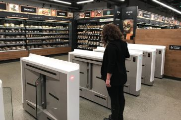 Amazon launches the Amazon Go, wows with shop that operates without personnel