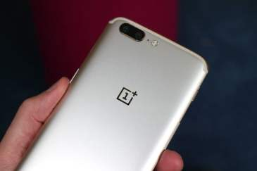 OnePlus 5 and 5T to get Android Q this year