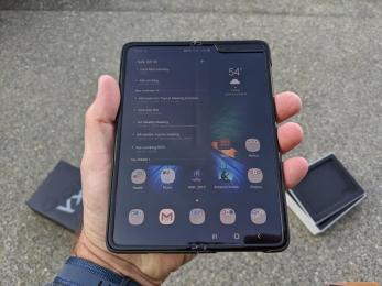 Samsung Galaxy Fold sells out in China within 5 minutes