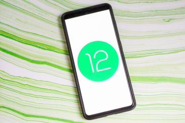 Google might launch the stable version to Android 12 on October 4