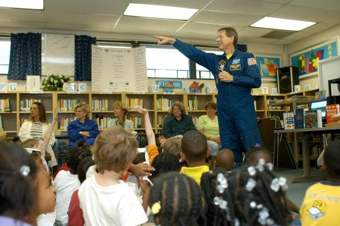Image supplied by NASA, Kennedy Space Center, KSC-04pd0739