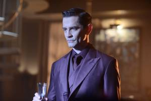 Gotham-2x01-3