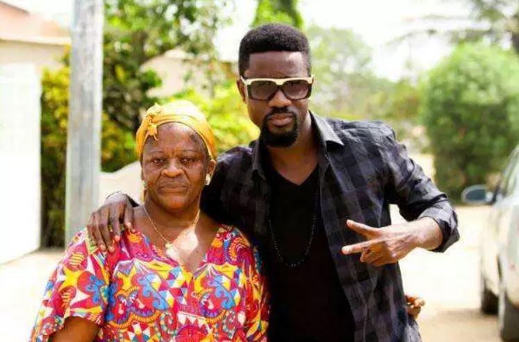 Pictures of Sarkodie, Jackie Appiah, and Lil Win with their mothers 4