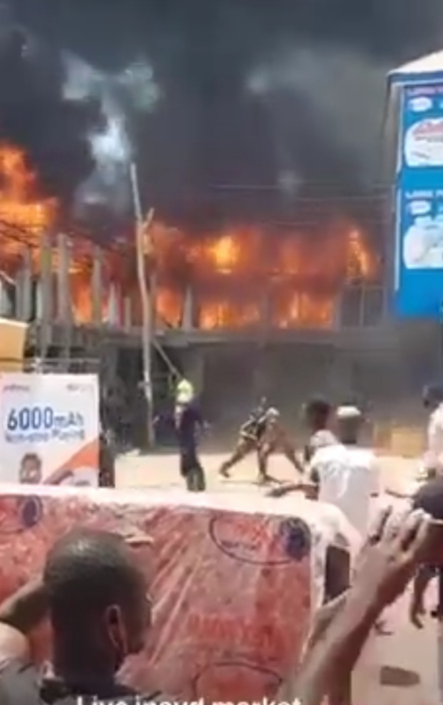 BREAKING: Fire Causes Havoc At Techiman Central Market Latex Foam Show room.