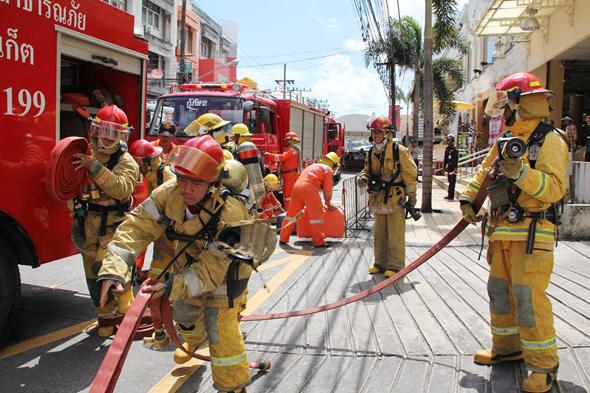 นครภูเก็ต ซ้อมดับเพลิงและหนีภัยอาคารตลาดสด