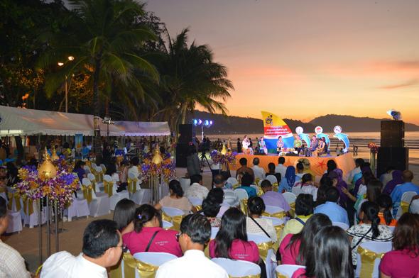 แถลงข่าวเปิดฤดูกาลท่องเที่ยวภูเก็ต ณ หาดป่าตอง 2557