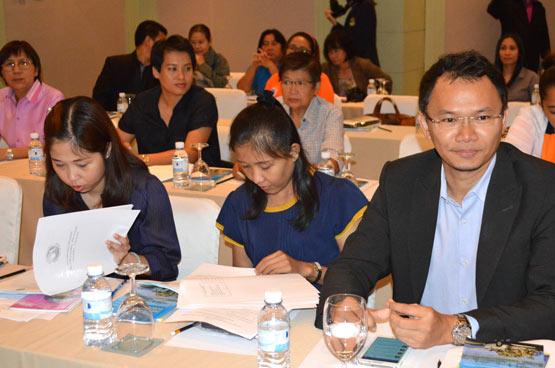 """สำนักทะเบียนธุรกิจนำเที่ยวและมัคคุเทศก์ พัฒนาศักยภาพให้แก่มัคคุเทศก์ """"นำเที่ยวตามรอยวิถีไทย"""""""