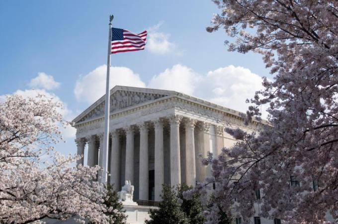 Supreme Court lets state legalize sports gambling