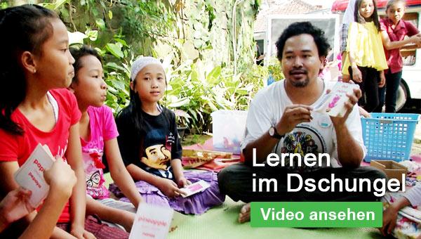 Lernen im Dschungel: Das SOS-Büchermobil in Indonesien - Video ansehen!