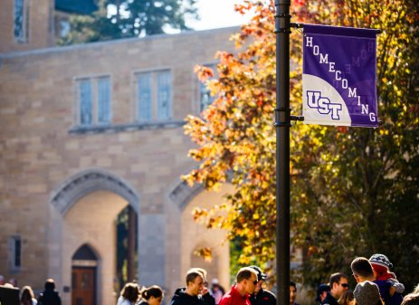 Homecoming on the lower quad. (Photo by Mike Ekern '02)