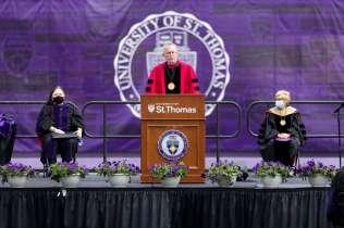 Dean Robert Vischer speaks during the School of Law 2021 Commencement Ceremony. Mark Brown/University of St. Thomas