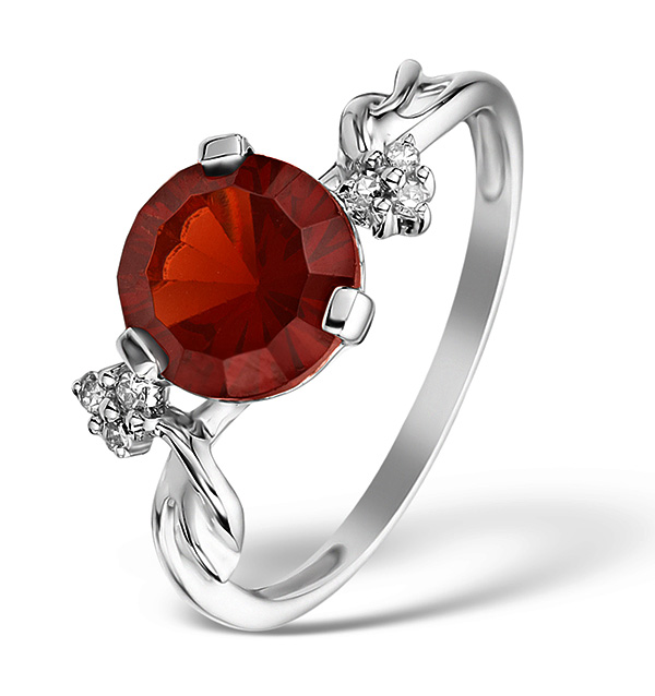 Garnet - Meaning of Gem Colour in Engagement Rings