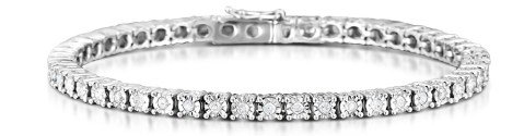 A diamond bracelet is the ideal Christmas gift