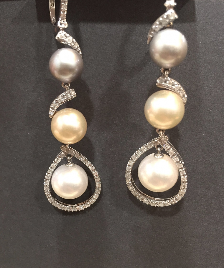 Pearl and diamond drop earrings perfect for a vintage bridal look from TheDiamondStore.co.uk
