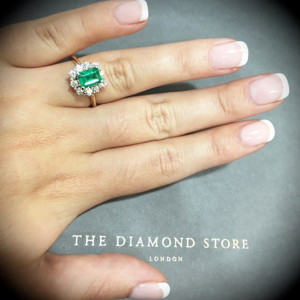 These are the 10 best emerald rings in the UK - Emerald ring in rectangular emerald cut shape with diamonds ring - Item Ref FET24-G