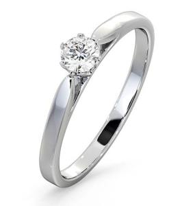 5 Best Diamond Engagement Rings Under £500 in the UK