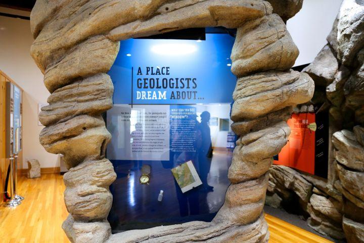 Display on geologist tools