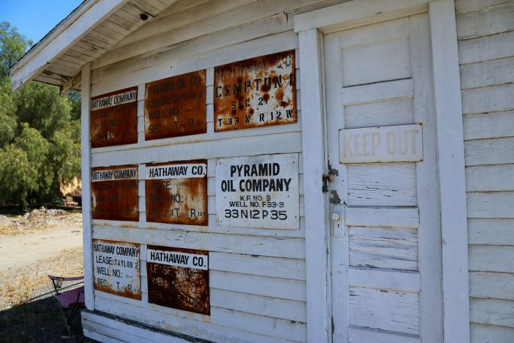 Shed with signs from the Hathaway Company.