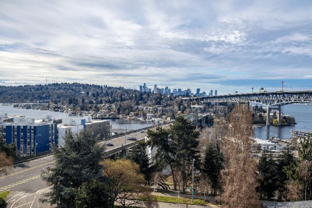 Vulcan Real Estate, Seattle, Puget Sound, Augusta Apartments, Roosvelt,