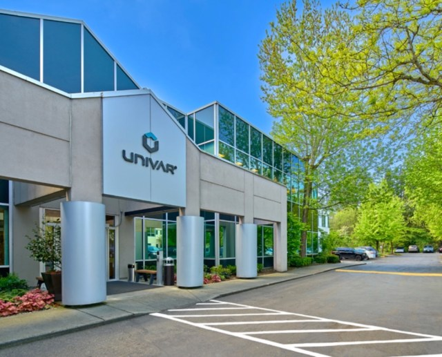 Laird Norton Properties, Puget Sound Region, Bear Creek Corporate Center, Laird Norton Properties, Metzler Real Estate, CBRE Capital Markets, Bear Creek Corporate Center