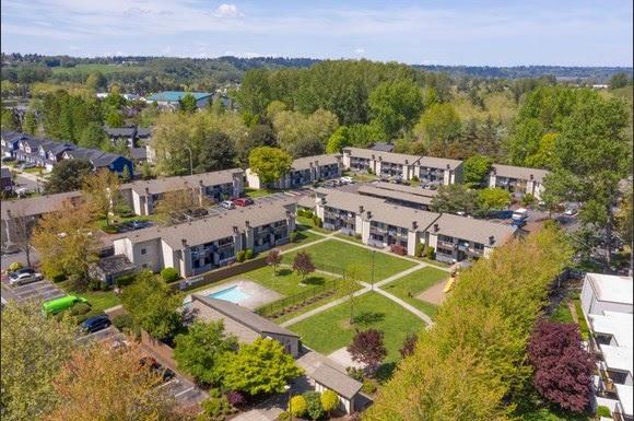Blackstone, LivCor, Arbor Chase Apartments, Kent, Montrose Investors, Colliers International