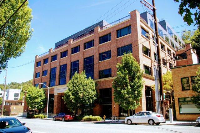 South Lake Union, Seattle, Gantry, Seattle Cancer Care Alliance, 1144 Eastlake Avenue E