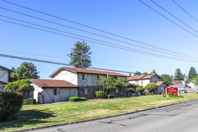 Marcus & Millichap, Fife, Fife Tudor Apartments, Seattle
