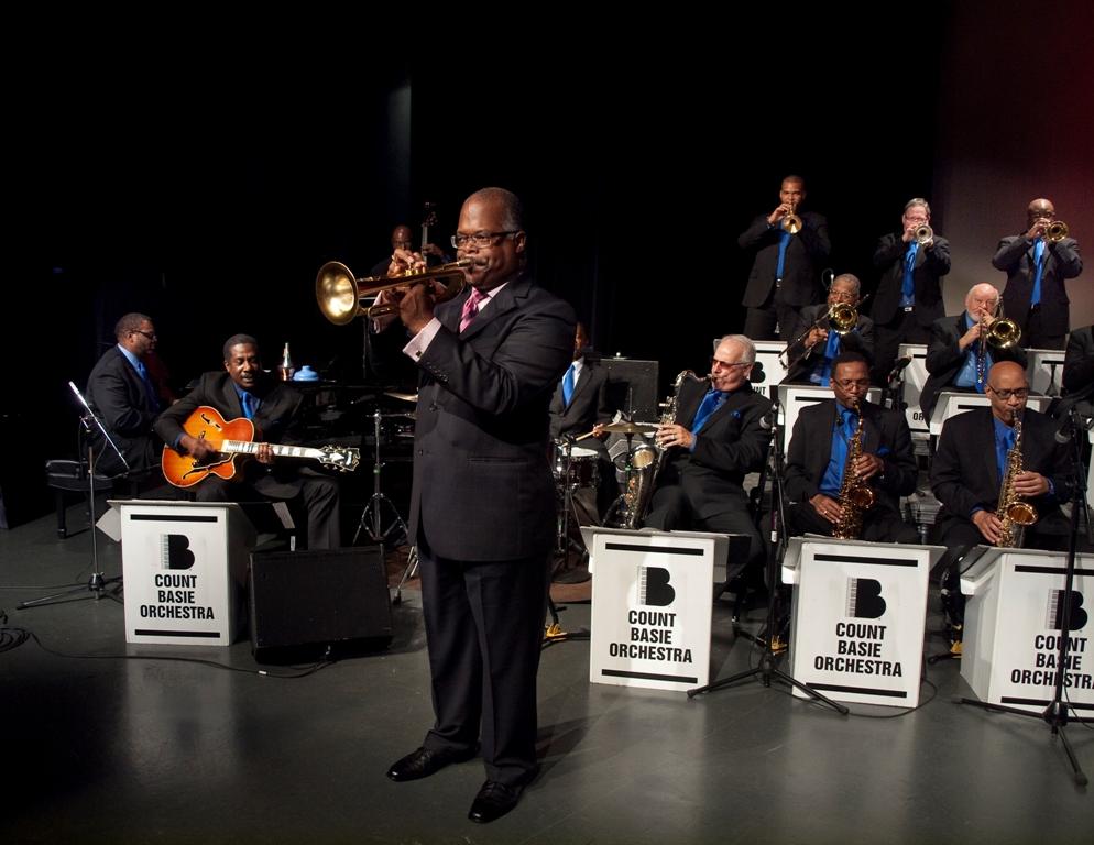 https://i2.wp.com/news.theurbanmusicscene.com/wp-content/uploads/2015/10/Count_Basie_Orchestra_Photo_by_Stephen_Butler2.jpg