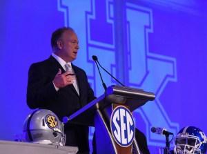 Kentucky Wildcats head coach Mark Stoops. Photo Credit: Adam Hagy-USA TODAY Sports