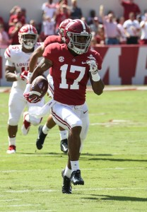Sep 29, 2018; Tuscaloosa, AL, USA; Alabama Crimson Tide wide receiver Jaylen Waddle (17) returns a punt for a touchdown against the Louisiana-Lafayette Ragin Cajuns during the first half at Bryant-Denny Stadium. Mandatory Credit: Marvin Gentry-USA TODAY Sports