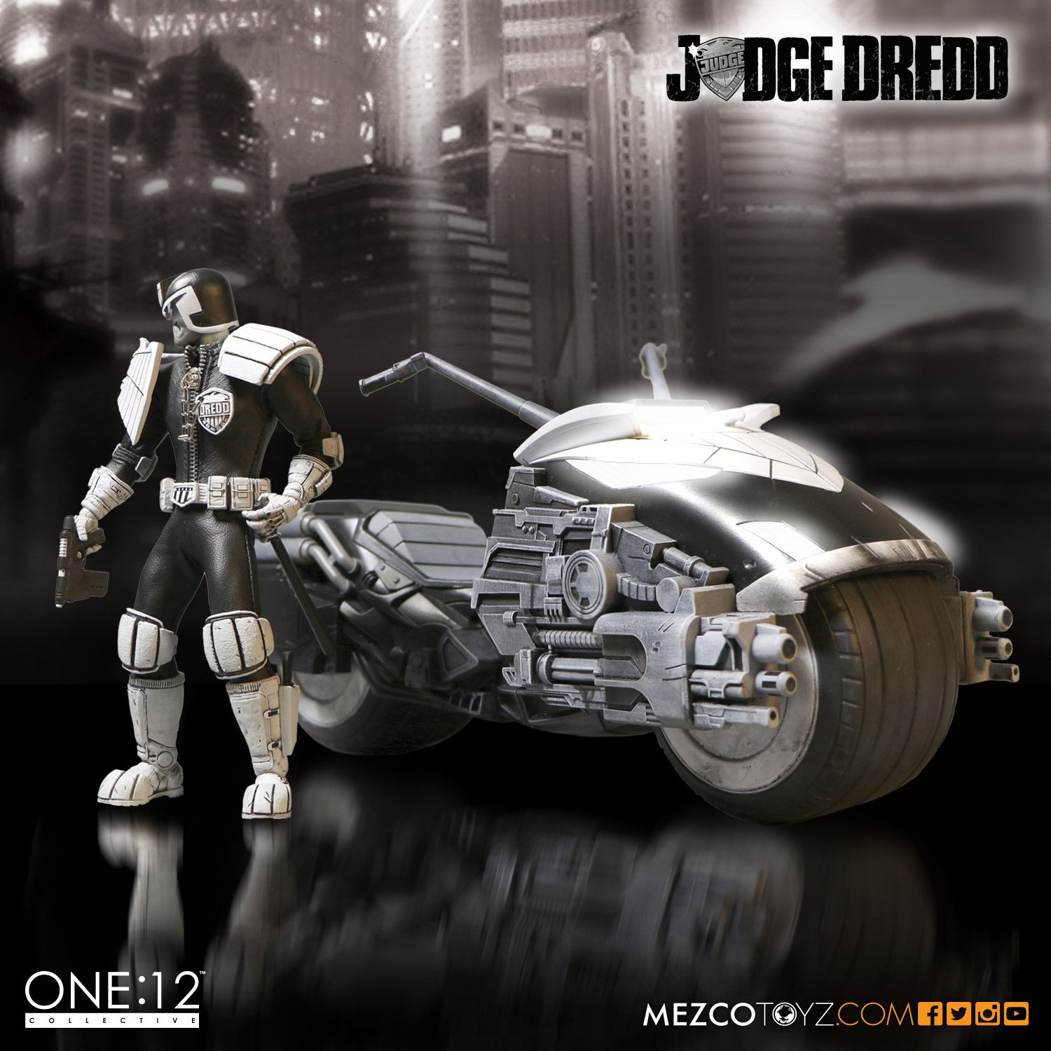 SDCC One12 BW Judge Dredd Set 005