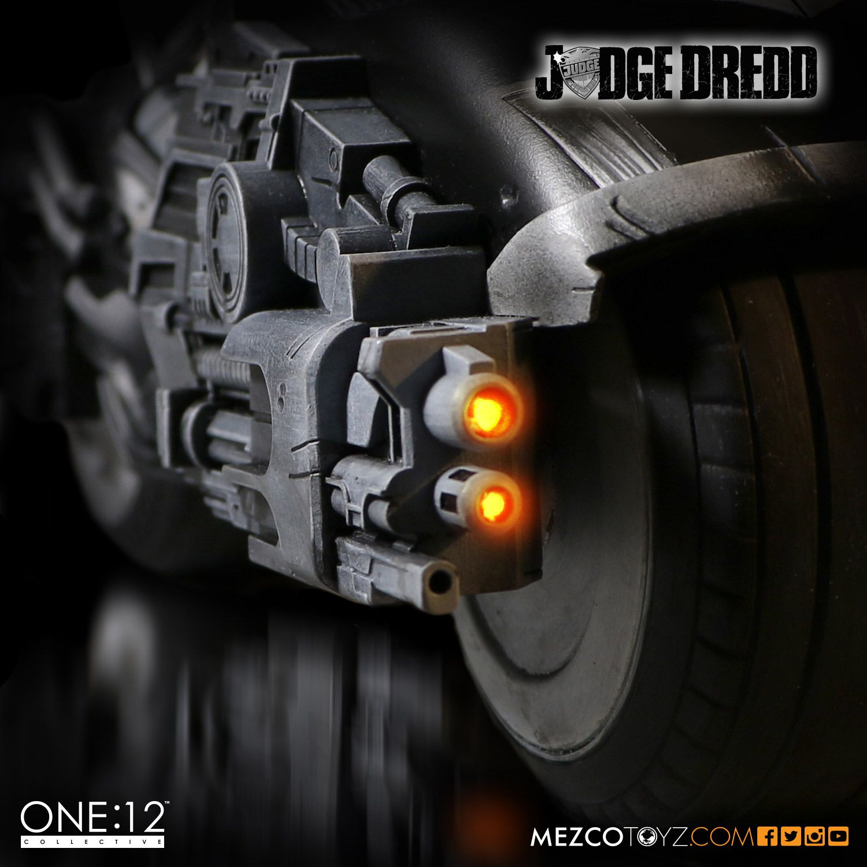 SDCC One12 BW Judge Dredd Set 009
