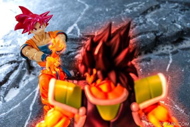 SHF Broly Base Form 028