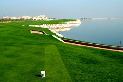 ملعب الجولف في بانيان تري الوادي