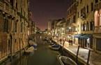 البندقية ، فينيسيا ليلاً ـ إيطاليا