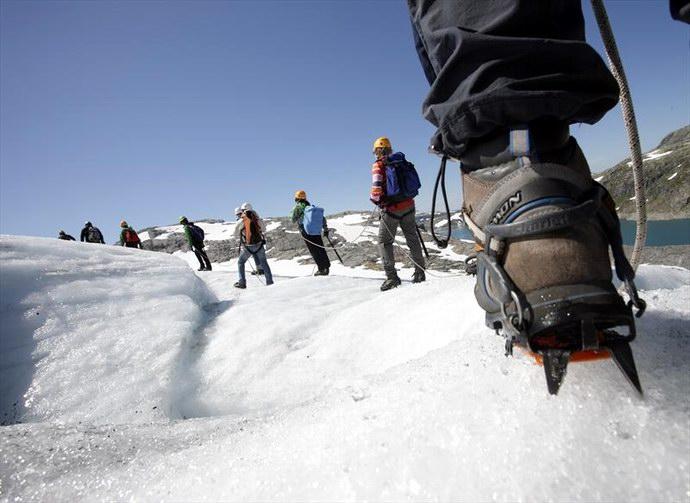 يقصد الآلاف من السياح حديقة فولجيفونا لأجل التزلج