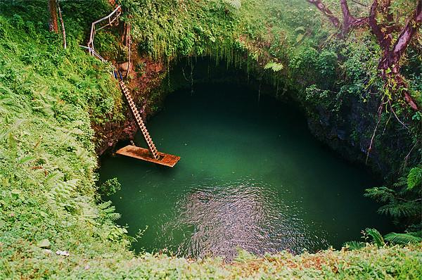 الثقب العملاق للسباحة 5